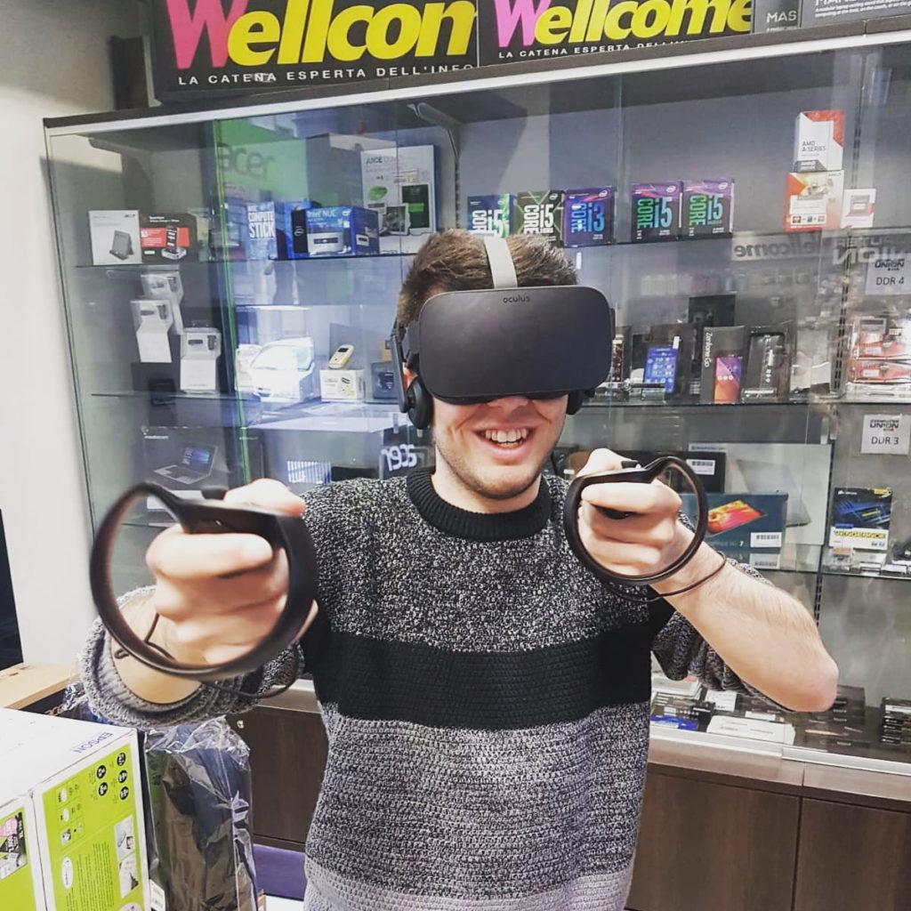 Ghiroinformatico - Ghiro mentre prova l'Oculus Rift presso Computer Union